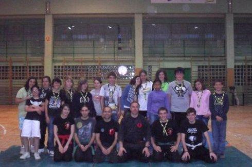 Grupo de los scouts después de entrenar Ninjutus con el grupo de Javier Andrés
