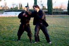 Joaquín haciendo de Uke para su maestro, el Shidoshi Carlos Plaza
